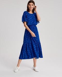 Niebieska sukienka Diverse z okrągłym dekoltem z krótkim rękawem
