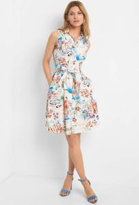 Sukienka ORSAY z dekoltem w kształcie litery v midi szmizjerka