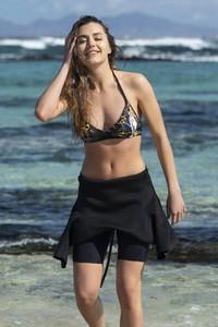 Czarny strój kąpielowy Nessi Sportswear w stylu klasycznym