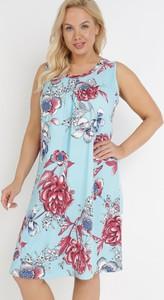 Niebieska sukienka born2be bez rękawów z okrągłym dekoltem