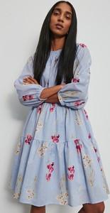 Sukienka Reserved w stylu casual z długim rękawem z bawełny