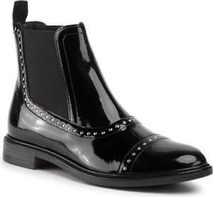 Czarne botki Gino Rossi z płaską podeszwą