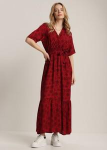 Sukienka Renee z krótkim rękawem z dekoltem w kształcie litery v trapezowa