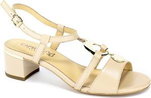 Sandały Caprice na średnim obcasie