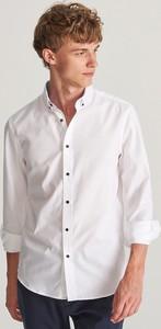 Koszula Reserved z kołnierzykiem button down