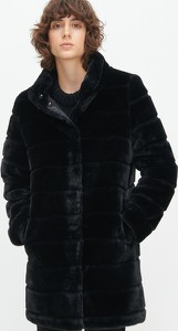 Czarny płaszcz Reserved