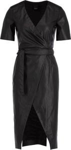 Sukienka Pinko z krótkim rękawem z dekoltem w kształcie litery v ze skóry