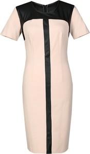 Sukienka Fokus z krótkim rękawem z okrągłym dekoltem dopasowana
