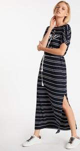 Czarna sukienka Monnari z krótkim rękawem z okrągłym dekoltem maxi