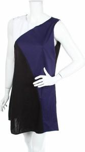 Sukienka Yidarton asymetryczna z asymetrycznym dekoltem