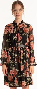 Sukienka Gate z szyfonu