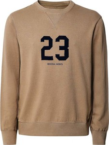 Brązowy sweter Universal Works w młodzieżowym stylu z okrągłym dekoltem