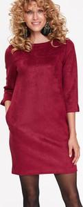 Różowa sukienka Top Secret z zamszu z długim rękawem