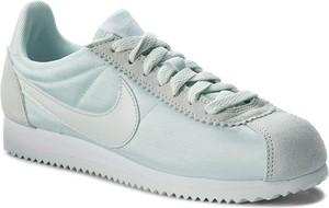 Turkusowe buty sportowe Nike sznurowane