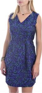 Niebieska sukienka MOLLY BRACKEN z dekoltem w kształcie litery v