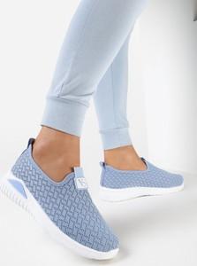 Niebieskie buty sportowe born2be z płaską podeszwą