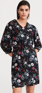 Sukienka Reserved w stylu casual mini prosta