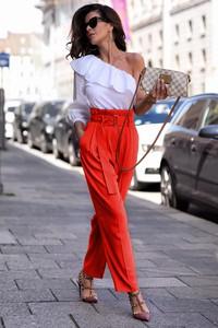 Czerwone spodnie Ivet.pl