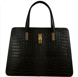 Czarna torebka vezze ze skóry duża z tłoczeniem