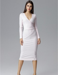 Sukienka Figl z dekoltem w kształcie litery v z długim rękawem dopasowana