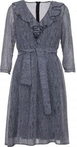 Sukienka VISSAVI mini z długim rękawem z żabotem