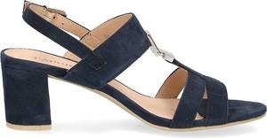 Sandały Caprice ze skóry z klamrami