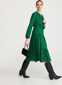 Zielona sukienka Reserved midi w stylu casual z dekoltem w kształcie litery v