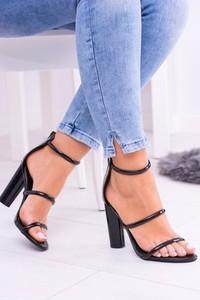Czarne sandały Lu Boo