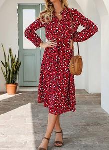 Czerwona sukienka Cikelly kopertowa midi z długim rękawem