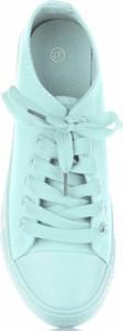 Trampki Ideal Shoes z tkaniny sznurowane z płaską podeszwą