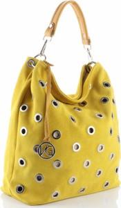Żółta torebka VITTORIA GOTTI z zamszu z breloczkiem