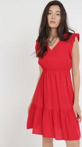 Czerwona sukienka born2be mini trapezowa