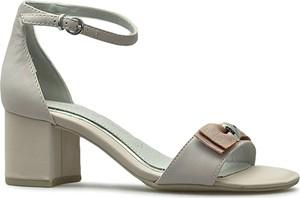 Sandały Marco Tozzi z klamrami