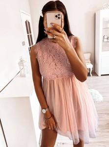 Sukienka Pakuten mini z tiulu bez rękawów