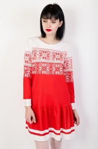 Różowa sukienka Olika z długim rękawem w bożonarodzeniowy wzór w stylu casual