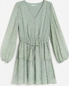 Zielona sukienka Reserved trapezowa w stylu casual z szyfonu