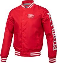 Czerwona kurtka Pit Bull West Coast w młodzieżowym stylu