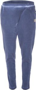 Niebieskie jeansy Look made with love w street stylu