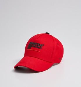 Czerwona czapka DiverseExtreme z nadrukiem