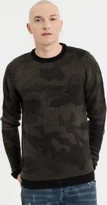 Czarny sweter Diverse