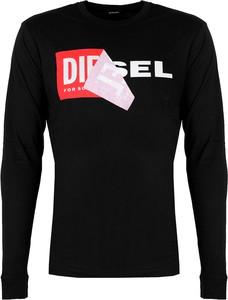 Czarna koszulka z długim rękawem ubierzsie.com z długim rękawem z tkaniny
