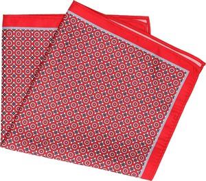 Czerwona poszetka recman w abstrakcyjne wzory