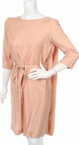 Różowa sukienka Joanne Vanden Avenne