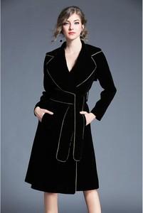 Czarny płaszcz Tina