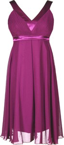 Różowa sukienka Fokus z szyfonu z dekoltem w kształcie litery v