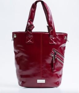 Czerwona torebka Monnari ze skóry ekologicznej w stylu glamour