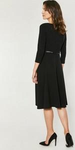 Czarna sukienka Click Fashion wyszczuplająca midi