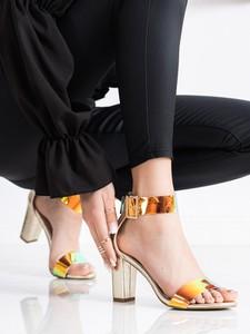 Sandały Czasnabuty na obcasie z klamrami z zamszu