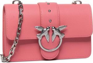 Różowa torebka Pinko mała z aplikacjami zdobiona