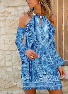 Sukienka Cikelly w stylu casual z dekoltem typu choker